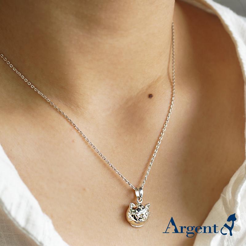 Q版貓-虎斑貓(金金)正面立體造型後面平面-動物雕刻純銀項鍊