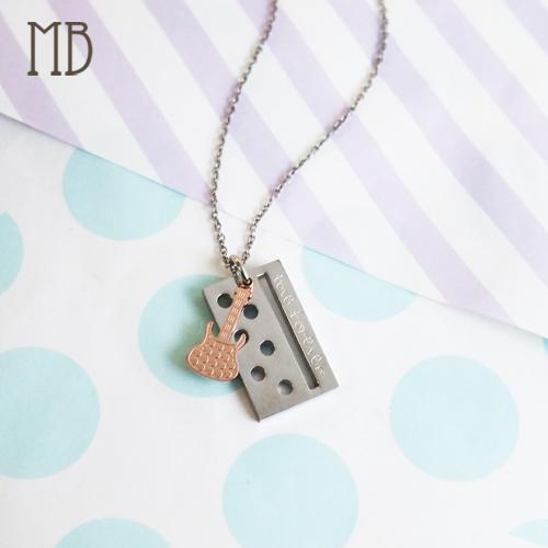 「弦之愛(玫瑰金)」造型白鋼項鍊|防過敏316L醫療鋼項鍊