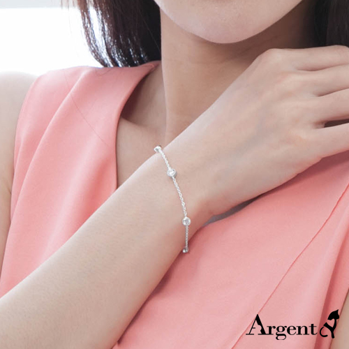 「晶钻圆滴」造型闪亮纯银手链|925银饰