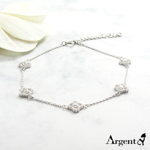 「晶钻花朵」造型闪亮纯银手链|925银饰