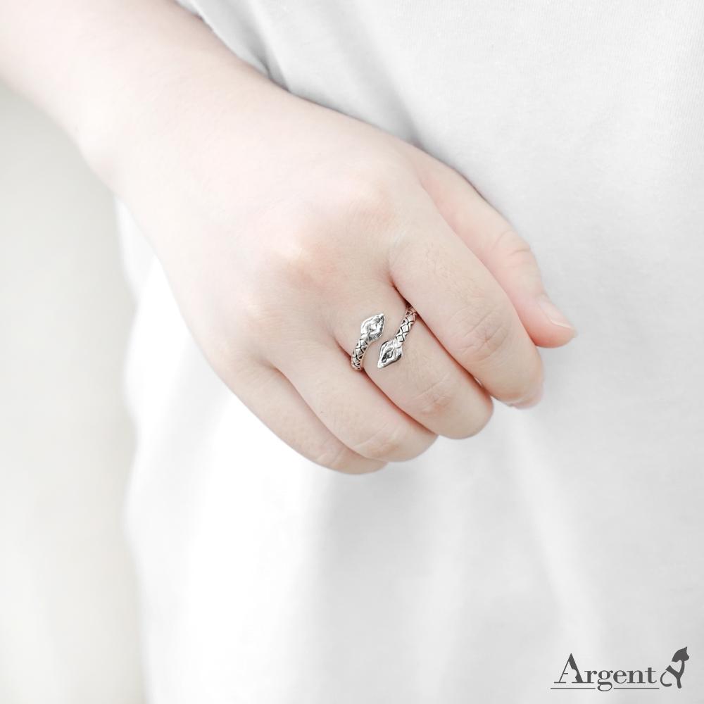 「百步蛇(女.細版)」動物造型雕刻純銀戒指|戒指推薦