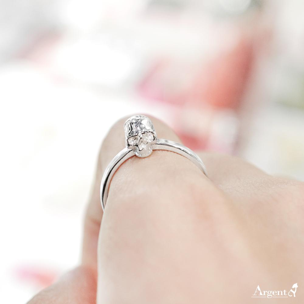 「骷髏頭」造型女生小純銀戒指|戒指推薦